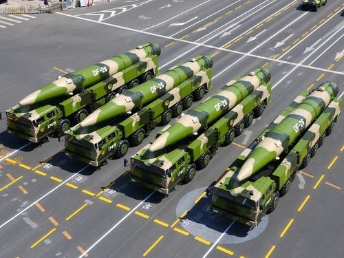 中国应如何反制萨德 台媒:疑似大陆最新东风26B导弹曝光