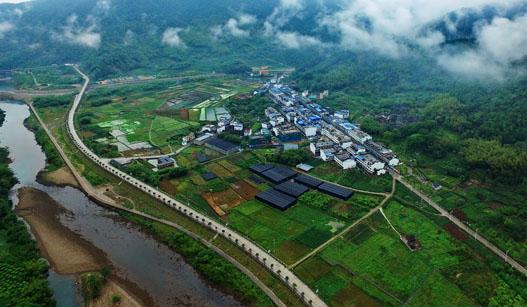 """福建赤溪村:迈向富裕的""""中国扶贫第一村"""""""