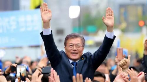 文在寅当选新一届韩国总统 文在寅个人资料照片对萨德是什么态度