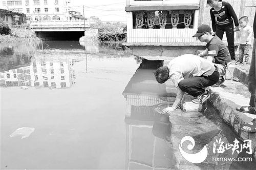 """莆田3岁男童溺水昏迷 村民用""""土办法""""救醒"""