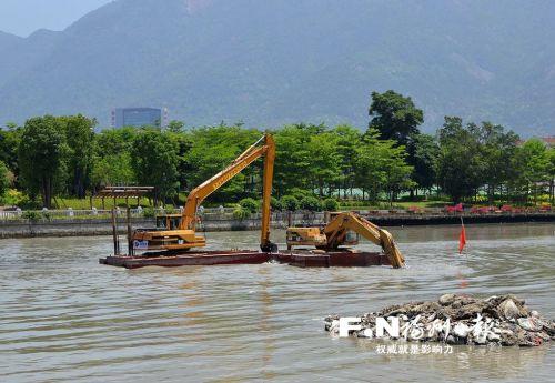 光明港清淤工程正式进场,明年6月30日前完工