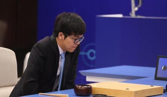柯洁输的没脾气 柯洁是谁?柯洁个人资料照片他是怎么输给AlphaGo的