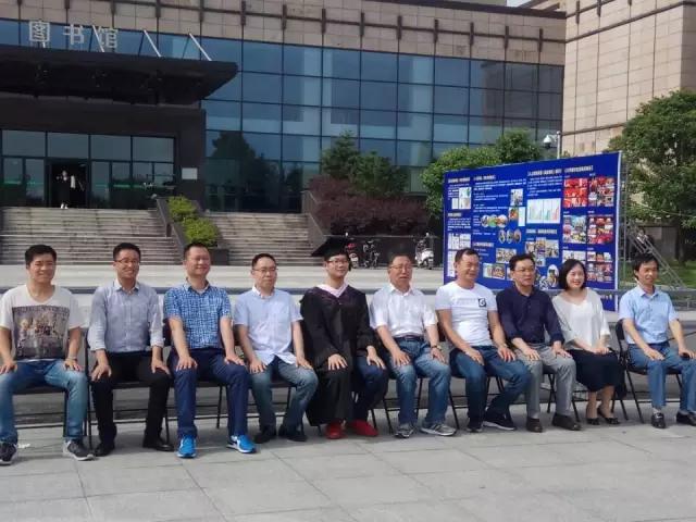 """浙江农林大学现""""一个人毕业照"""" 王俊杰:从没逃过课"""