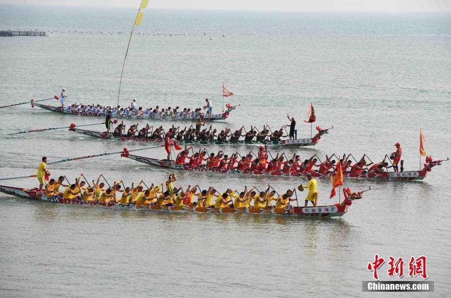 连江:海上龙舟赛延续四百年传统 令人称奇