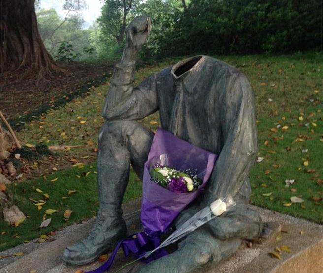 继八田与一铜像被毁后 台北日本百年狛犬石像再被砍