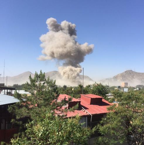 阿富汗首都喀布尔爆炸致80人死300多伤 阿富汗爆炸是塔利班干的吗