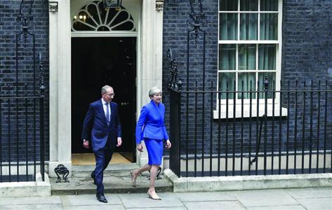 英女王授权组建联合政府 特雷莎-梅将连任首相