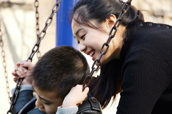 90后姑娘李小姣办自闭症学校 称家长的期望绑架了我
