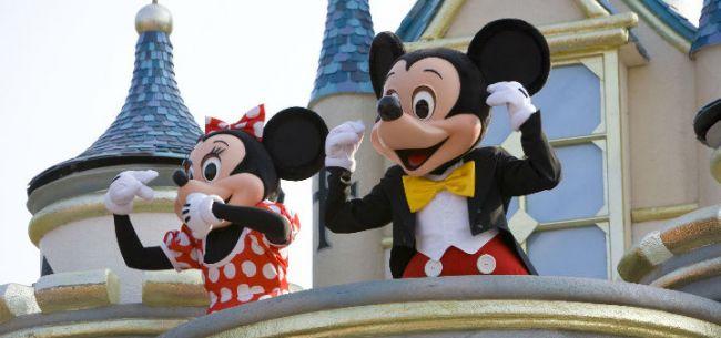上海迪士尼开园一周年:服务本土化,竞争国际化