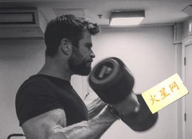 雷神3诸神黄昏什么时候上映 海姆斯沃斯影片中大秀肌肉