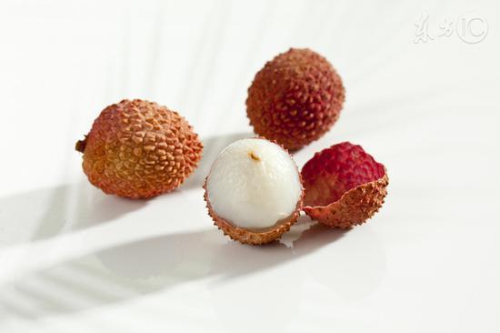荔枝吃太多会昏迷?暑天慎防水果病
