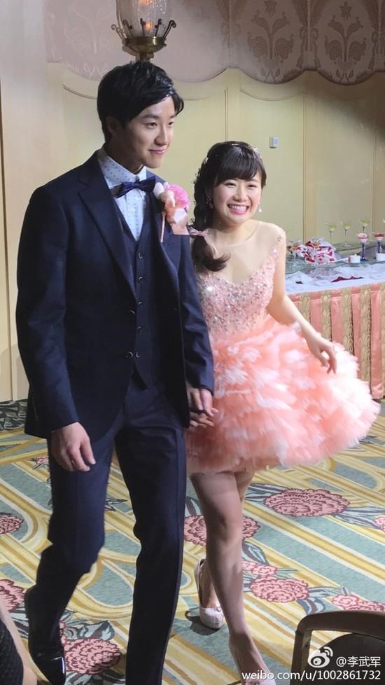江宏杰揭秘与福原爱恋爱始末 自曝乒乓打不过老婆因为她
