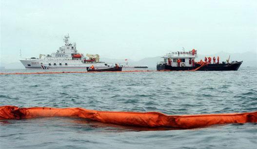 海南三亚举行海上联合救援演习