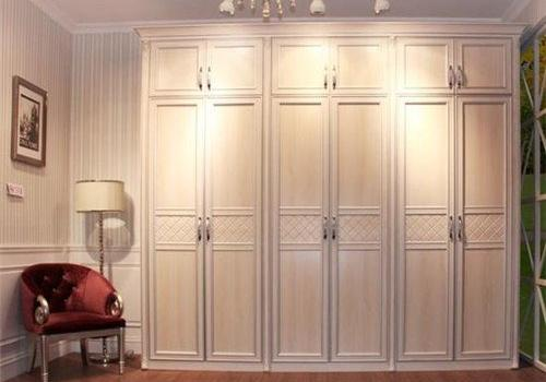 追求高品质的生活 提高家居品味少不了实木衣柜