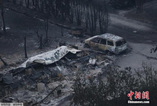 加拿大西部卑诗省山林大火持续逾半月 4万多人被迫疏散