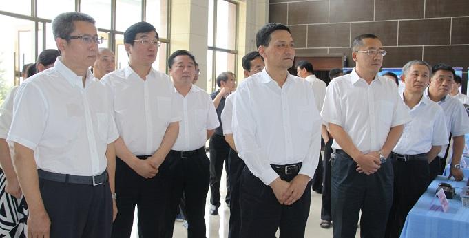 肖亚庆赴内蒙古调研并主持召开国有企业改革座谈会