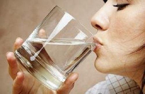 夏季喝水有讲究:抓住三个黄金时间