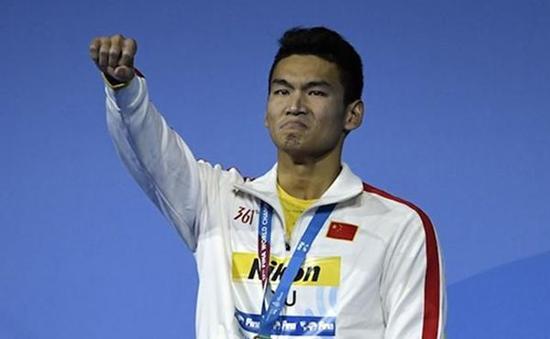 中国泳坛又一位偶像诞生 21岁小将徐嘉余创记录
