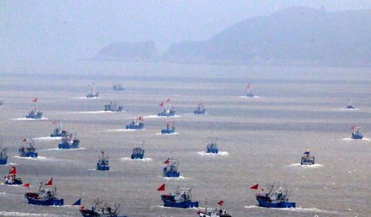 伏季休渔结束 千艘渔船开赴渔场捕捞