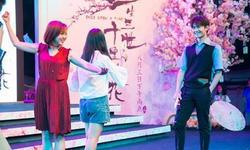 """杨洋现身福州宣传新片""""三生三世"""" 告白影迷"""