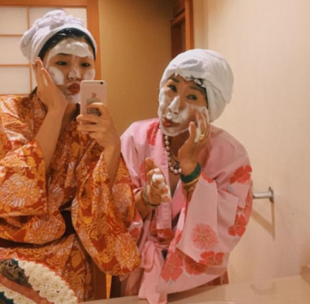 人老心不老!韓國71歲老婦拍搞笑美妝視頻成網紅