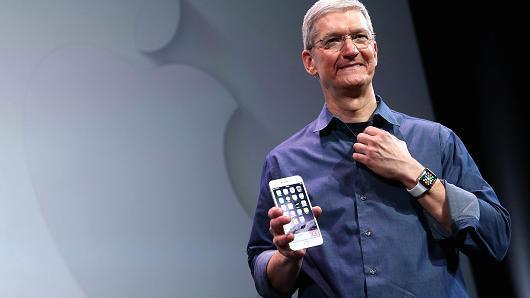钱已备好就等iPhone 8? 瑞银:到12月份再说吧