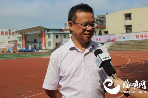 平潭综合实验区党工委委员、自贸委副主任谢秀桐接受记者采访