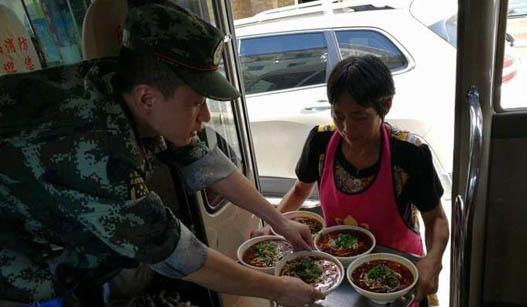 九寨沟地震后:这些小人物感动中国