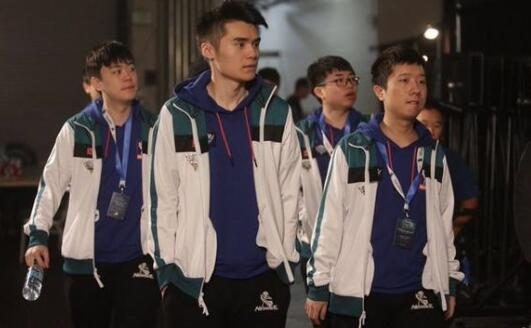 DOTA2 TI7:中国NB痛失冠军 Liquid三比零碾压newbee夺冠