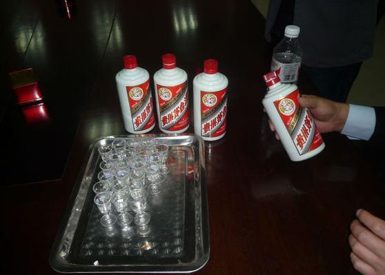 吴京《战狼2》喝的茅台酒,在非洲多少钱一瓶?—智能工业云平