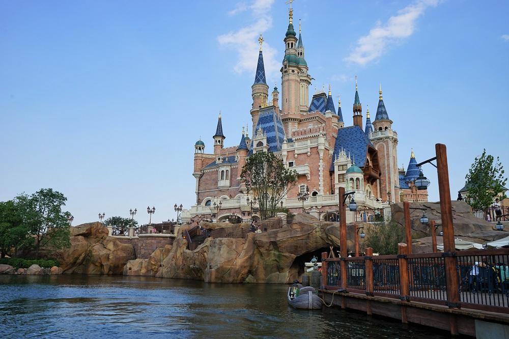 上海迪士尼度假区 今秋将启用电子快速通行证