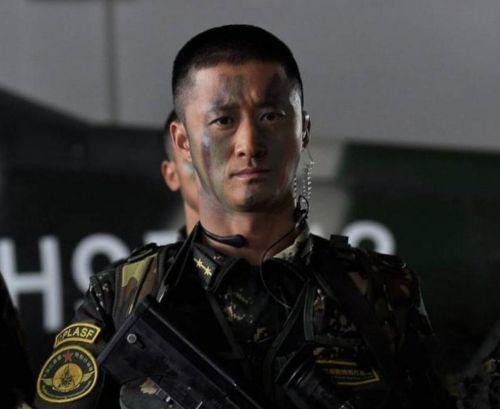 吴京为了演好战狼2 真的在特种部队服役18个月吗?
