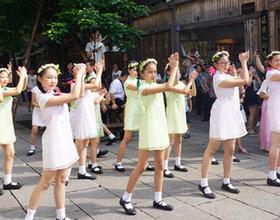 福州学生玩快闪 献礼教师节