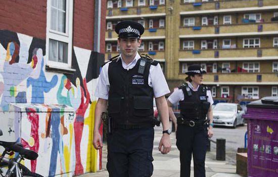 英警察不办案还用奇葩理由:负责的警员休假去了
