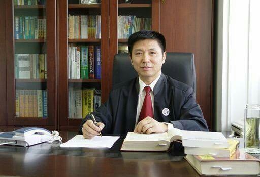 王宝强离婚案律师接手苏享茂自杀案!张起淮律师大有来头