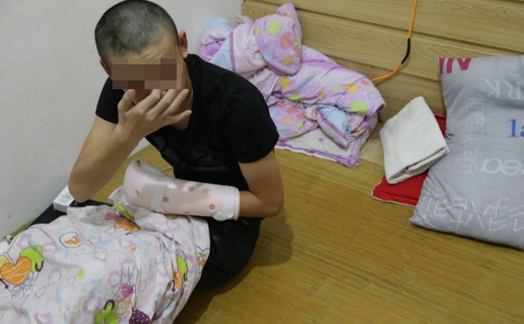 疑口角纠纷 南安水头一16岁少年被同事砍中动脉不幸身亡