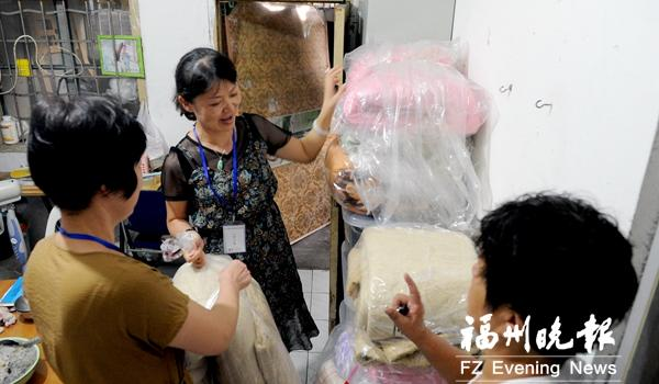 福州古乐路征迁工作组组长日行2万步 为涉迁户排忧解难