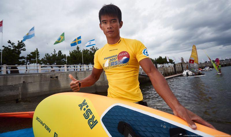2017年帆板世界锦标赛 叶兵获男子RS:X级冠军