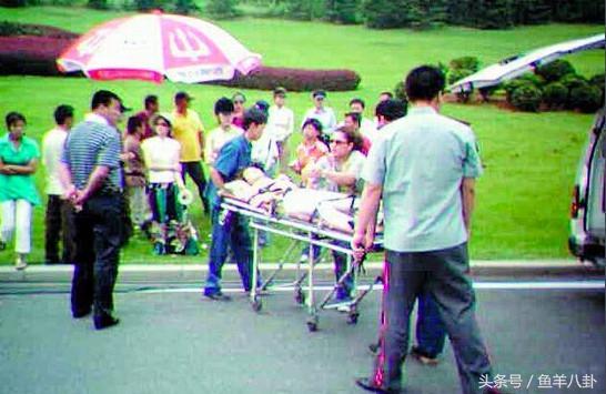 吴秀波坠马视频,看着很危险,回应:特别幸运,他们也曾坠马受伤