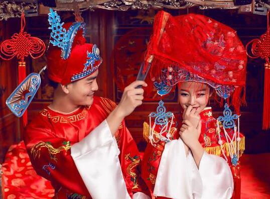 ca88亚洲城手机版下载_传统婚礼策划流程 如何打造完美中式古装婚礼?