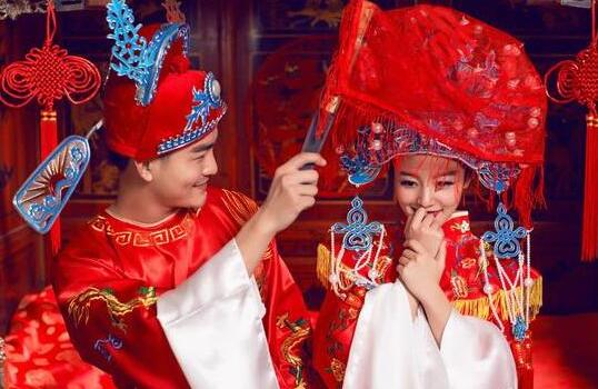 ca88亚洲城手机版【官方ca88亚洲城手机版下载】_传统婚礼策划流程 如何打造完美中式古装婚礼?