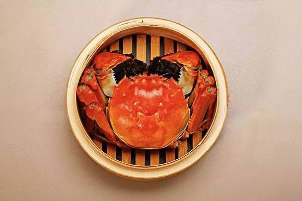 一图|满街的阳澄湖大闸蟹 如何辨别真假?
