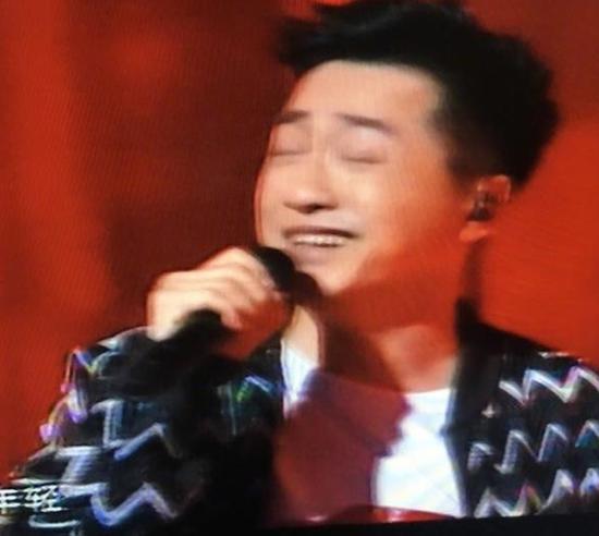 庾澄庆被吴莫愁抓拍表情不忍直视 调侃:拍的是哪位?
