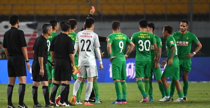 赵和靖因辱骂裁判员停赛5场 提前告别17赛季联赛