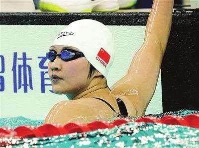 李冰洁香港站800自夺冠甩第2名13秒 成绩差强人意
