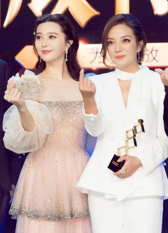 林心如和赵薇同爆红《还珠》,如今名气甩心如一条街,赢在哪了?