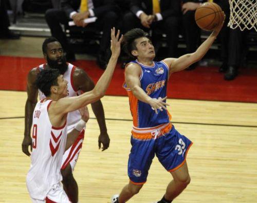 季前赛第二场周琦8分3篮板 火箭狂胜上海男篮