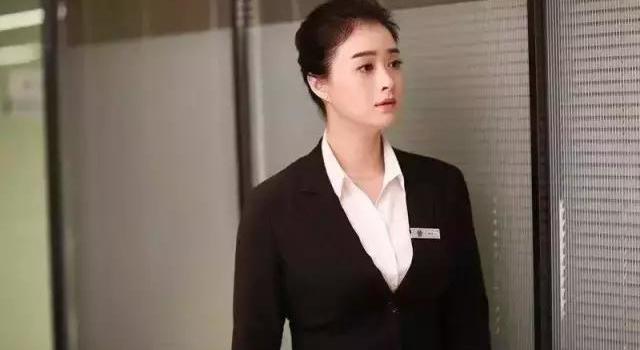 就算林心如人设崩塌,蒋欣挑战她出演半生缘顾曼桢还是尴尬了