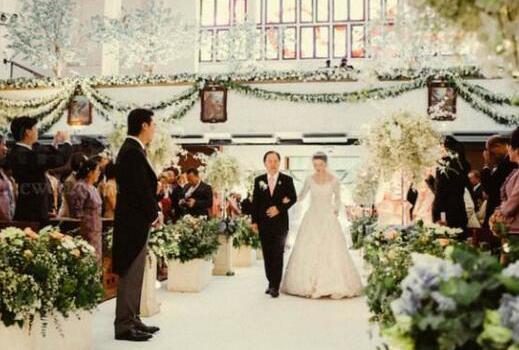 个性婚礼上宾客祝福 告别传统的婚礼祝福语