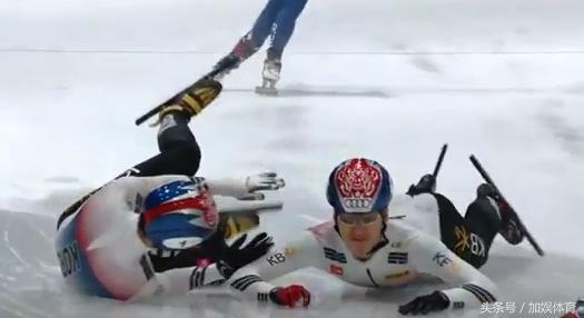害人终害己!韩国短道速滑阻挡中国至全队摔倒,日本教练